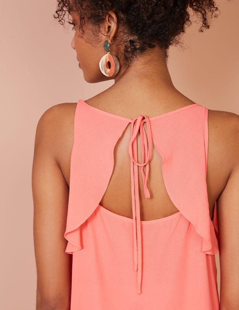 Parte de trás de blusa rosa de alça com babado tamanho G