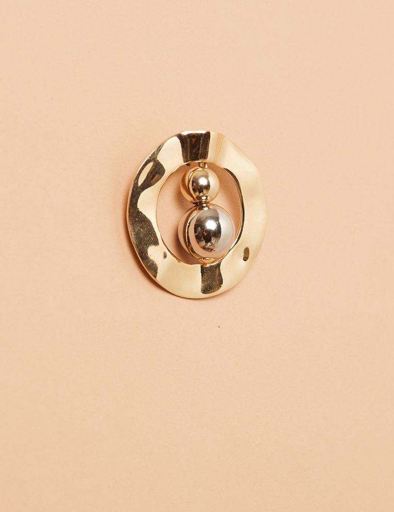 argola-irregular-bolas-dourado-detalhe