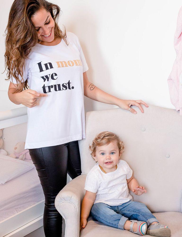 02032440_019_1-BLUSA-SILK-IN-MOM-WE-TRUST