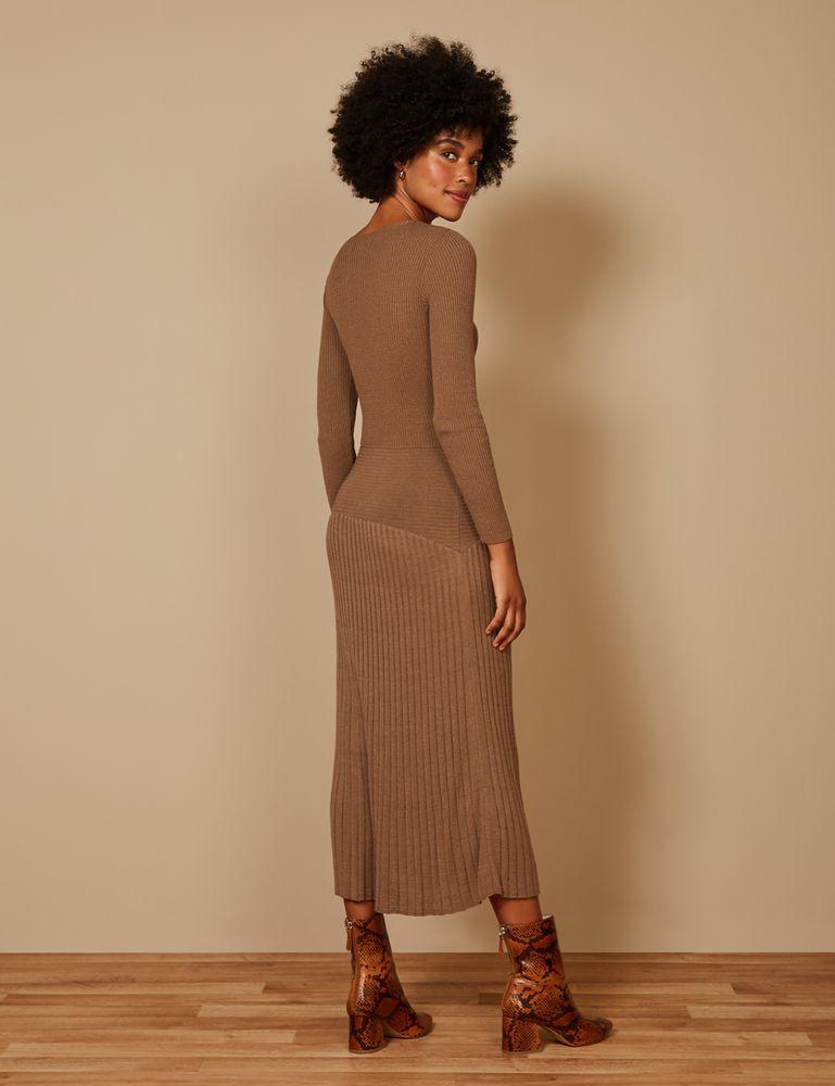 vestido-canelado-saia-leve-costas-p