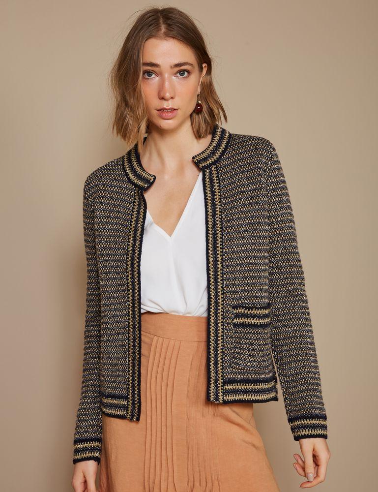 casaco-tweed-com-um-bolso-frente-m