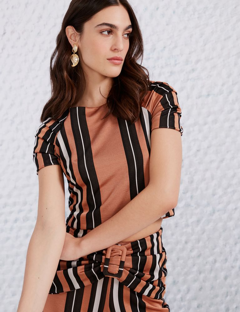 1502028_019_1-BLUSA-CROPPED-LISTRA-CAMELO