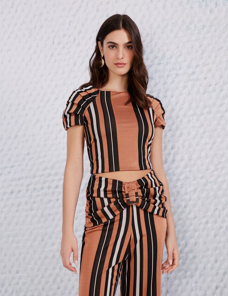 1502028_019_4-BLUSA-CROPPED-LISTRA-CAMELO